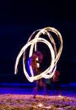 Demostración del fuego del oscilación Foto de archivo libre de regalías