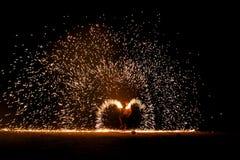 Demostración del fuego en el islaon de Samet imagen de archivo