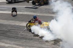 Demostración del humo en la pista Imagen de archivo libre de regalías