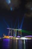 Demostración del laser, Marina Bay foto de archivo