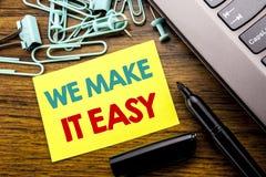 Demostración del texto del aviso de la escritura la hacemos fácil Concepto del negocio para la solución de la calidad de la ayuda imagen de archivo libre de regalías