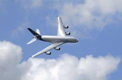 Demostración del vuelo de Airbus 380 en la demostración de aire de París Fotos de archivo