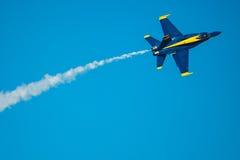 Demostración del vuelo de los ángeles azules Imagen de archivo libre de regalías