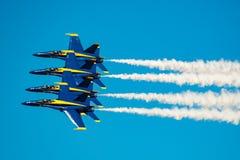 Demostración del vuelo de los ángeles azules Imágenes de archivo libres de regalías
