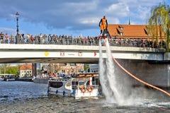 Demostración en el río de Brda - Bydgoszcz de Flyboard Fotografía de archivo