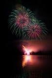 Demostración espectacular de los fuegos artificiales Foto de archivo