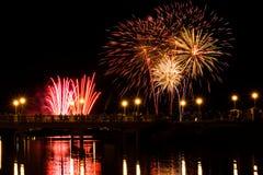 Demostración espectacular de los fuegos artificiales en Southport imagen de archivo