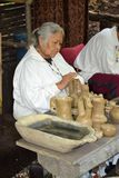 Demostración india - fabricación de la cerámica Fotos de archivo