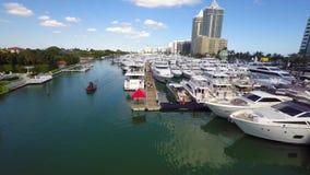 Demostración internacional video aérea del barco de Miami Beach almacen de metraje de vídeo