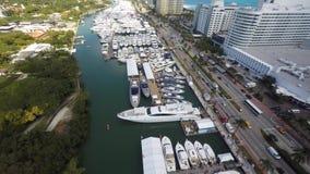 Demostración internacional video aérea del barco de Miami Beach metrajes