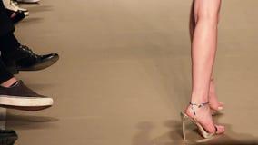 Demostración modelo de Catwalk In Fashion almacen de video