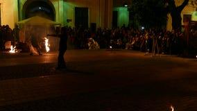 Demostración pública del fuego organizada en Timisoara, Rumania metrajes