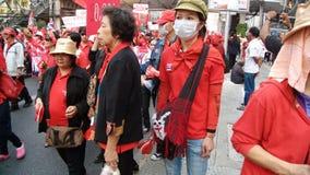 Demostración roja de las camisas fotos de archivo libres de regalías