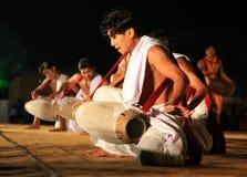 Demostración india tribal de la danza Imagenes de archivo