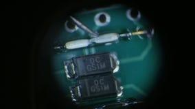 Demostraciones de la cámara del primer a través de pequeños microprocesadores del metro de la ranura almacen de metraje de vídeo