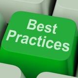 Demostraciones de la llave de las mejores prácticas que mejoran calidad del negocio Foto de archivo libre de regalías