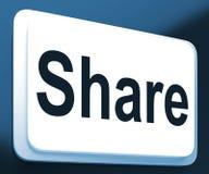 Demostraciones del botón de la parte que comparten página web o la imagen en línea Fotos de archivo libres de regalías