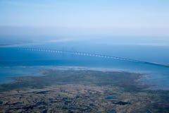 Den Øresund eller Ã-resund bron royaltyfri fotografi