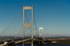 Den äldre Severn Crossing, upphängningbro som förbinder Wales wi Royaltyfri Fotografi