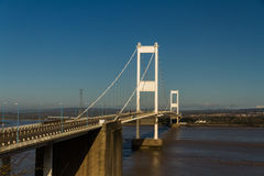 Den äldre Severn Crossing, upphängningbro som förbinder Wales wi Royaltyfria Foton
