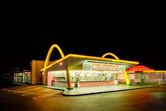 Den äldsta fungerande restaurangen för McDonald ` s i världen i Downey, Los Angeles, Kalifornien, USA Arkivfoto