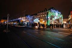 Den äldsta julen marknadsför i Europa - Strasbourg, Alsace, Fran Arkivfoton