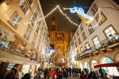 Den äldsta julen marknadsför i Europa - Strasbourg, Alsace, Fran Royaltyfri Bild