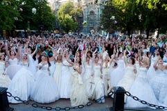 den årliga brudhändelsen ståtar först Arkivfoto