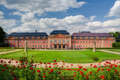 Den återställda chateauen i Dobris Fotografering för Bildbyråer