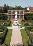Den återställda elisabetanska trädgården på den Kenilworth slotten, Kenilworth Royaltyfri Bild