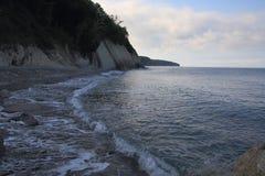Den öde stranden i morgonen Royaltyfria Foton