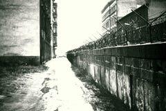 Den ökända Nu-borta väggen för kalla krigetBerlin Communist ` av skam` a K A ` Järnridå`en * November, 1966 Arkivfoton