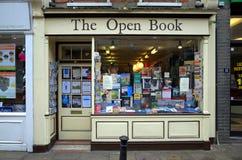 Den öppna boken shoppar Royaltyfri Bild