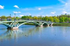 Den östliga ärke- bron Royaltyfri Foto
