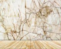 Den abstrakta marmorväggen och den mönstrade trätjock skiva (naturliga modeller) texturerar bakgrund Royaltyfri Bild
