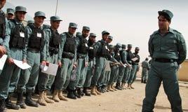 den afghan invigningen ståtar polis Arkivfoton