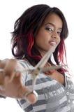 den afrikanska flickan scissor Royaltyfri Fotografi