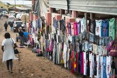 Den afrikanska marknaden i Punta gör Ouro, Mocambique Arkivbild