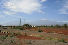 Den afrikanska savannahen, Amboseli, bredvid Mt kilimanjaro Royaltyfria Foton