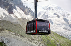 Den Aiguille du Midi kabelbilen royaltyfri bild