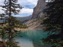 den alberta banff Kanada laken lokaliserade den nationella near parken för den louise morainen Royaltyfri Fotografi