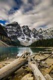 den alberta banff Kanada laken lokaliserade den nationella near parken för den louise morainen Arkivfoton