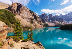 den alberta banff Kanada laken lokaliserade den nationella near parken för den louise morainen Royaltyfri Bild