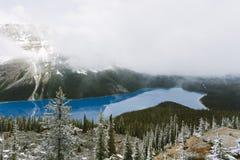 den alberta banff Kanada laken lokaliserade nationalparkpeyto Arkivbild