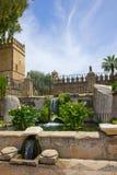 den alcazarcordoba springbrunnen arbeta i trädgården spain arkivfoton