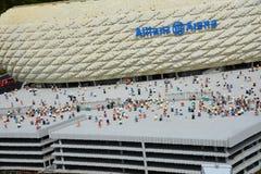 Den Allianz arenan är en fotbollsarena i Munichmade från det plast- legokvarteret fotografering för bildbyråer
