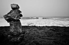 den allsidiga stranden vaggar sandwaves Arkivbilder