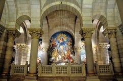 Den Almudena domkyrkan i Madrid, Spanien Arkivbild