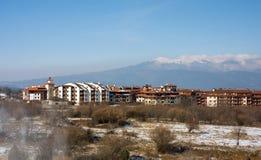 den alpina banskobulgaria semesterorten skidar Arkivfoto