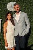 Den amerikanska fastighetaffärsbiträde- och verklighettelevisionstjärnan Ryan Serhant R och Emilia Bechrakis deltar i den US Open royaltyfri foto